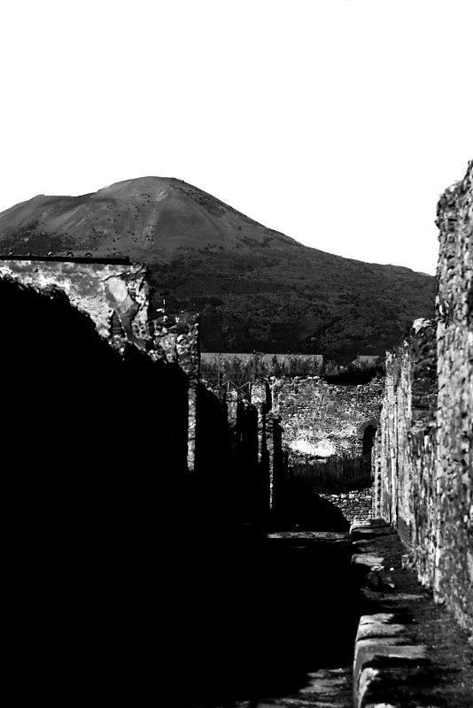 pompeii-11-2,medium_large.1507130062